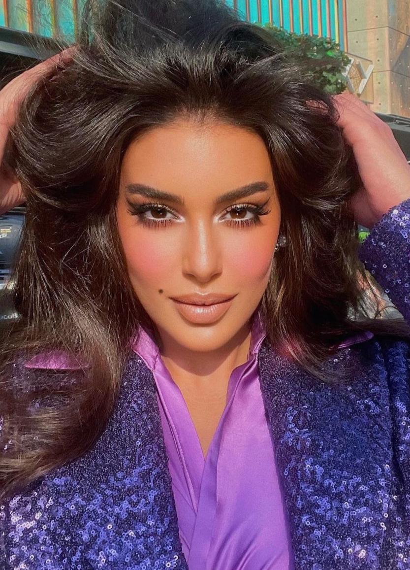 ياسمين صبري باحمر الشفاة البني -الصورة من حسابها على الانستغرام