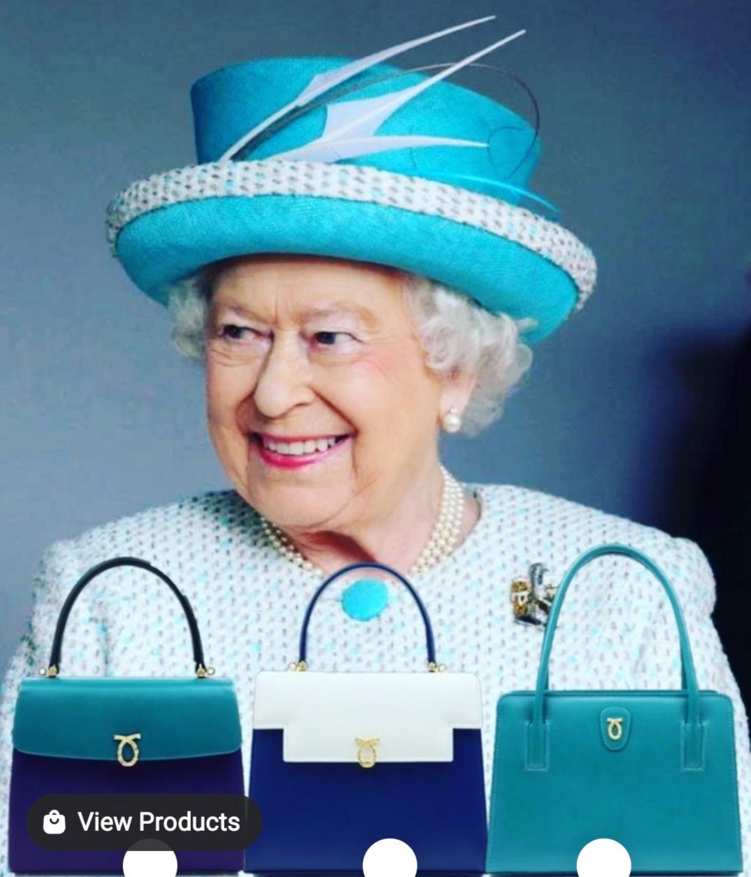 الملكة إليزابيث وحقائبها الزاهية- الصورة من حساب شركة Launer على إنستغرام