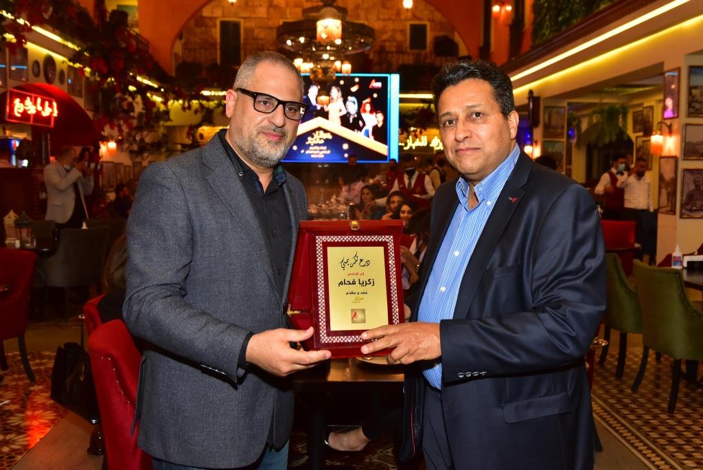مدير تلفزيون a one tv أحمد الأسعد يكرّم الإعلامي زكريا فحّام