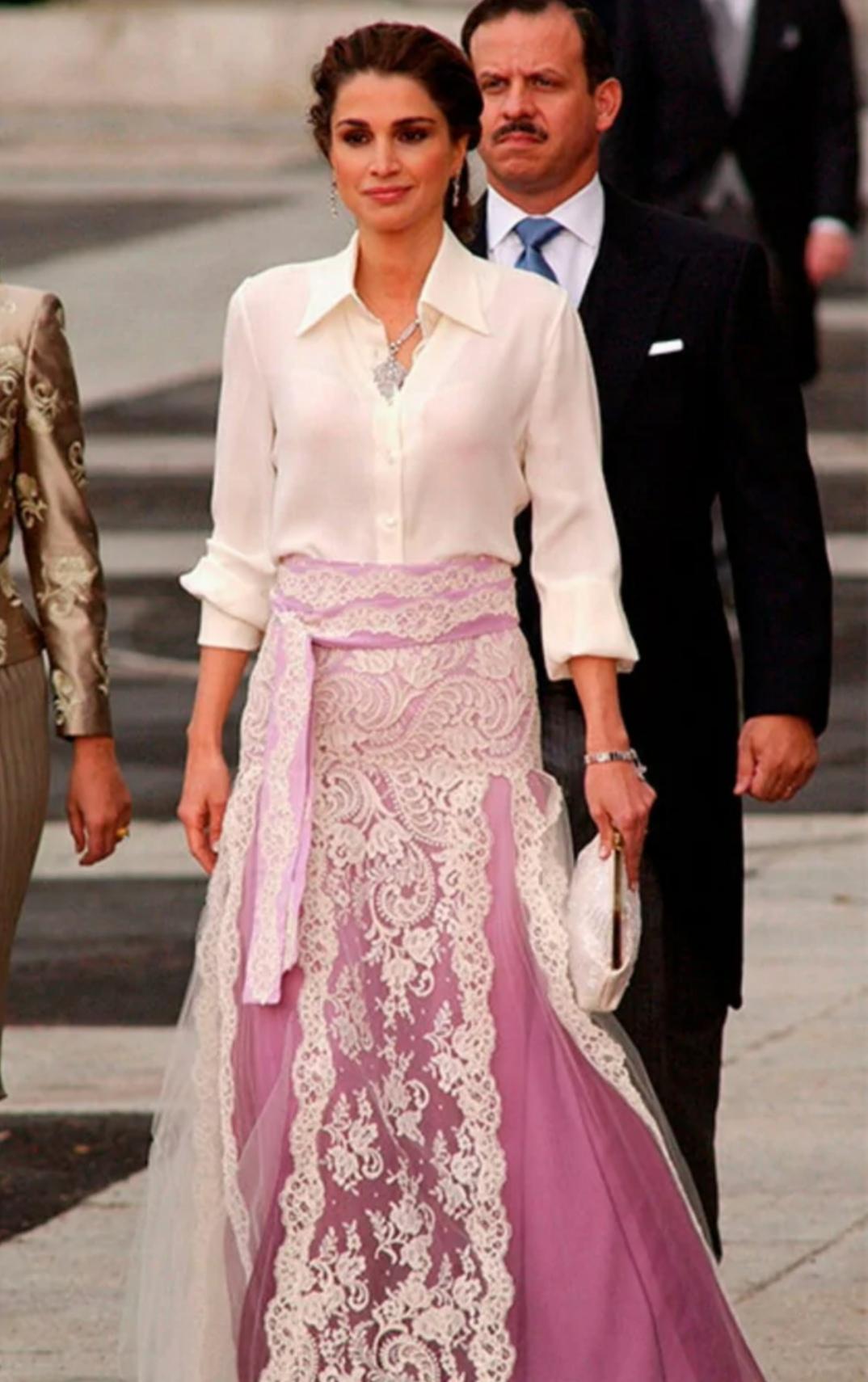 الملكة رانيا-الصورة من موقع hello magazine