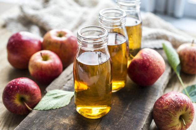 خل التفاح لمعالجة مشكلة الشعر الدهني صيفاً