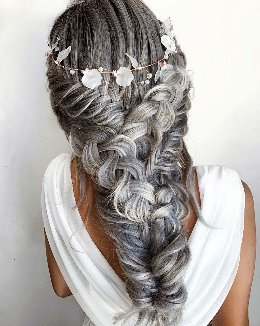 تسريحة ضفائر حورية البحر(الصورة من حساب خبيرة الموضة تايلا روبرتسون على pinterest)