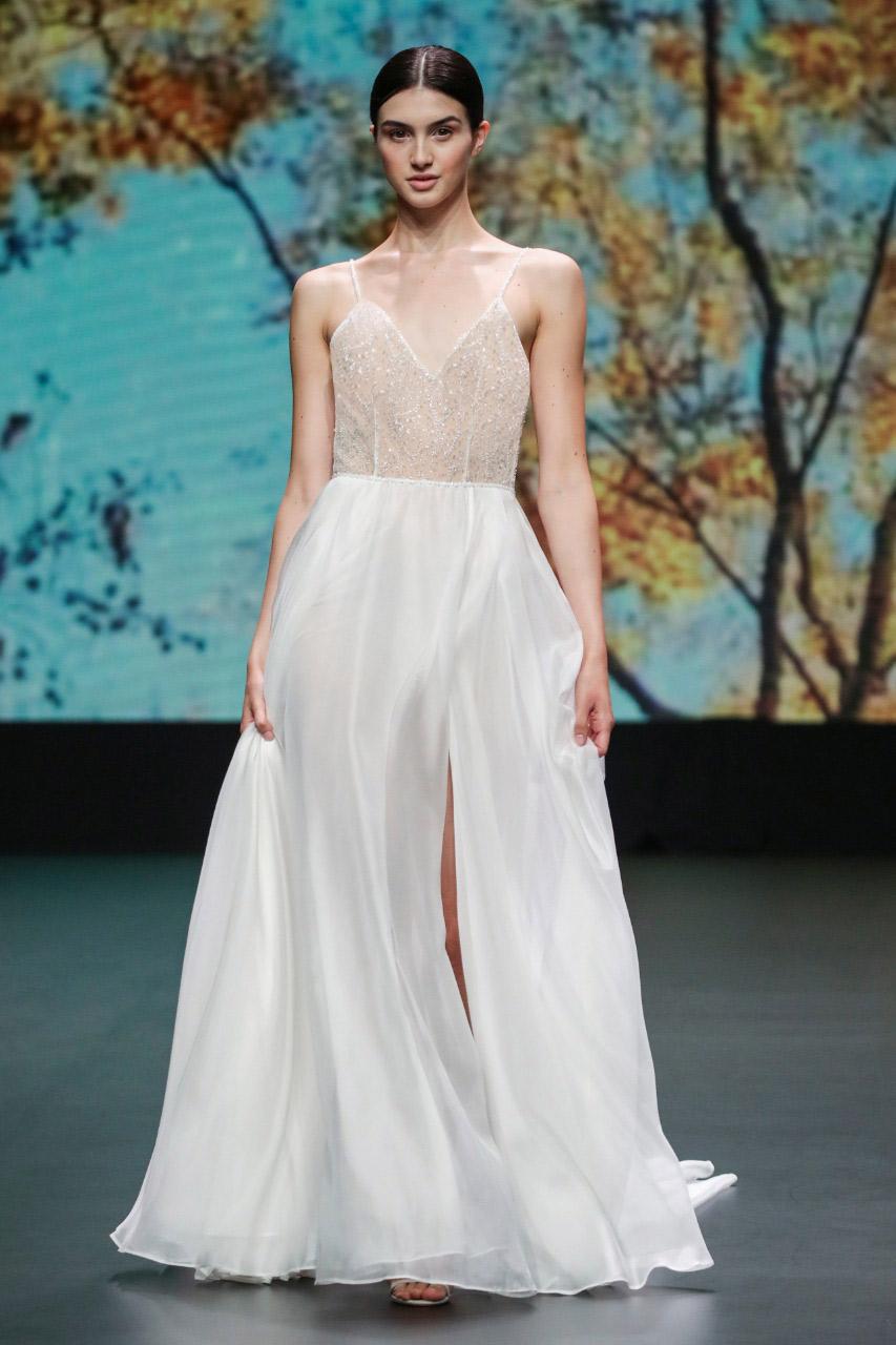 فستان زفاف من flora