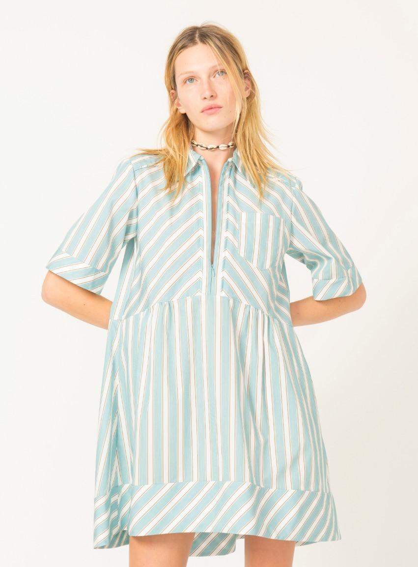 فستان قميص بخطوط طولية من AKnvas