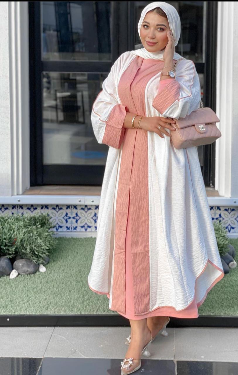 حنان الحكيم بعباية بيضاء مزينة بالزهري -الصورة من حسابها على الانستغرام