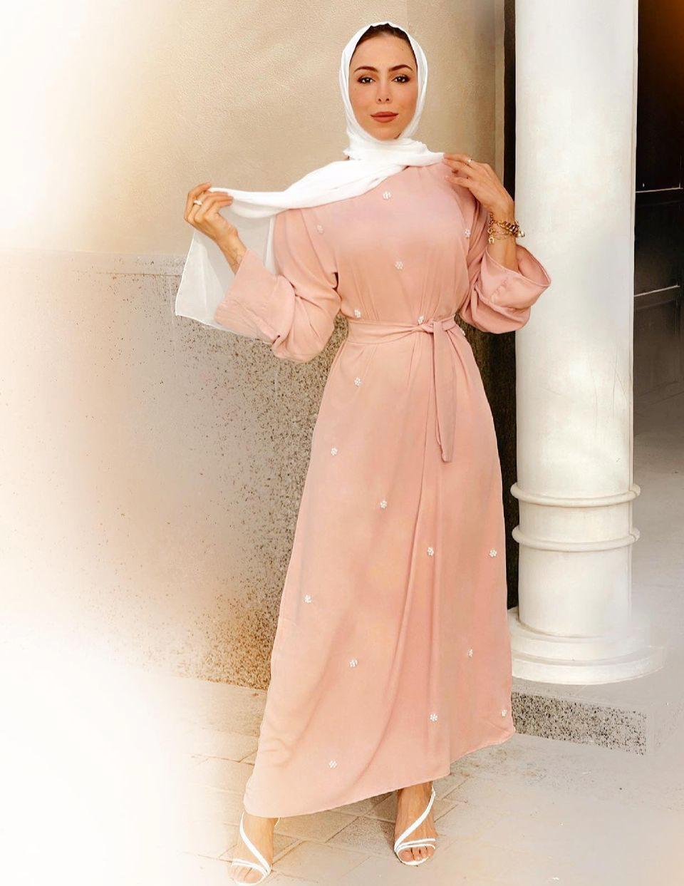 تسنيم ابو سيدو بفستان انثوي للعيد -الصورة من حسابها على الانستغرام