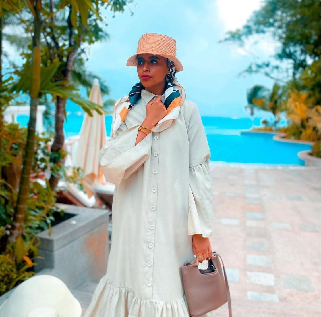 لولوة الخطاف بفستان يليق بالمراه الخليجية -الصورة من حسابها على الانستغرام