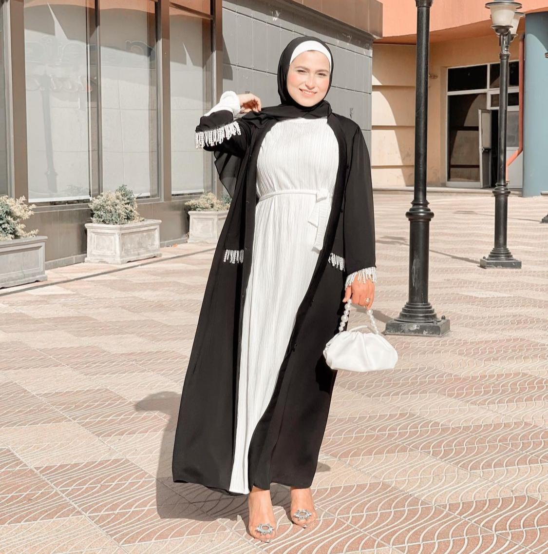 وفاء عز الدين بتنسيق حيادي الألوان -الصورة من حسابها على الانستغرام