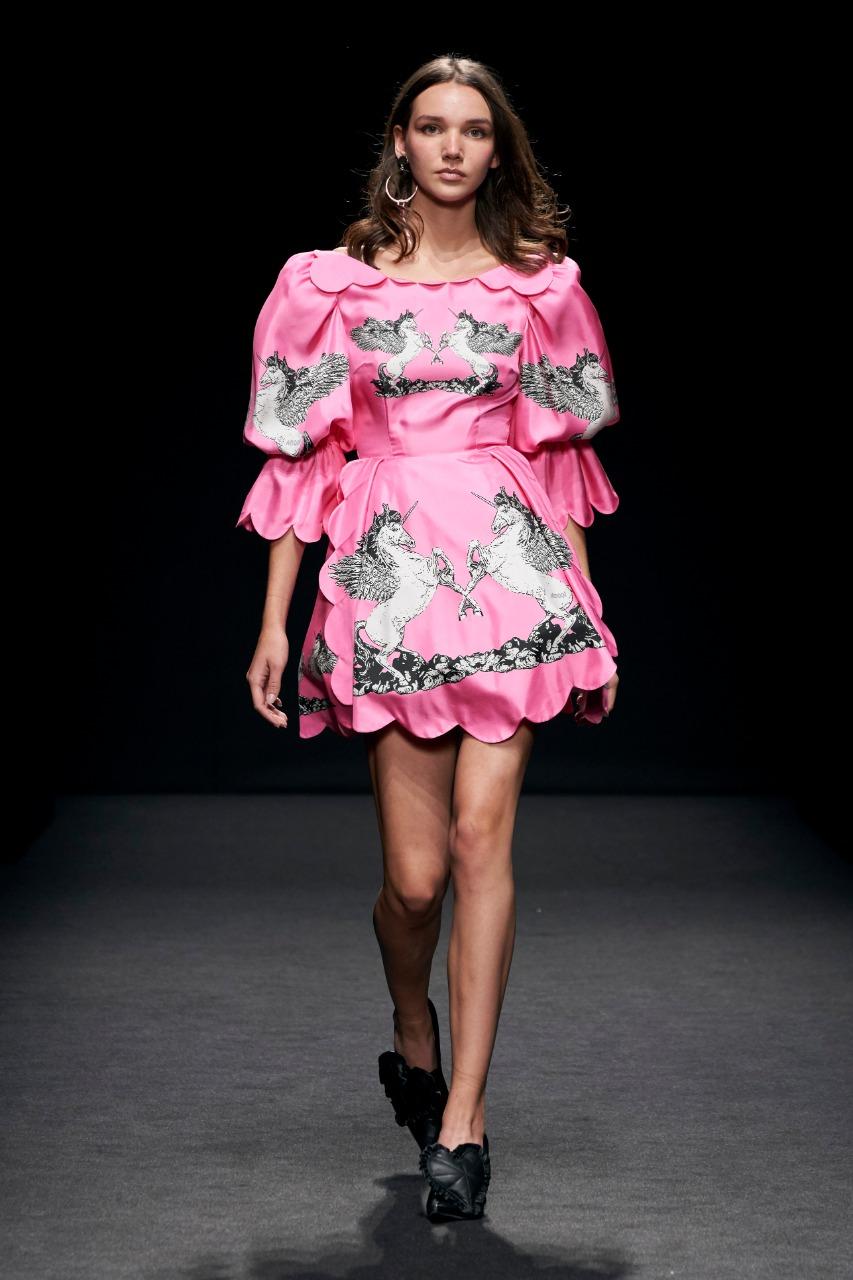 budapest collec  فستان باللون الفوشيا