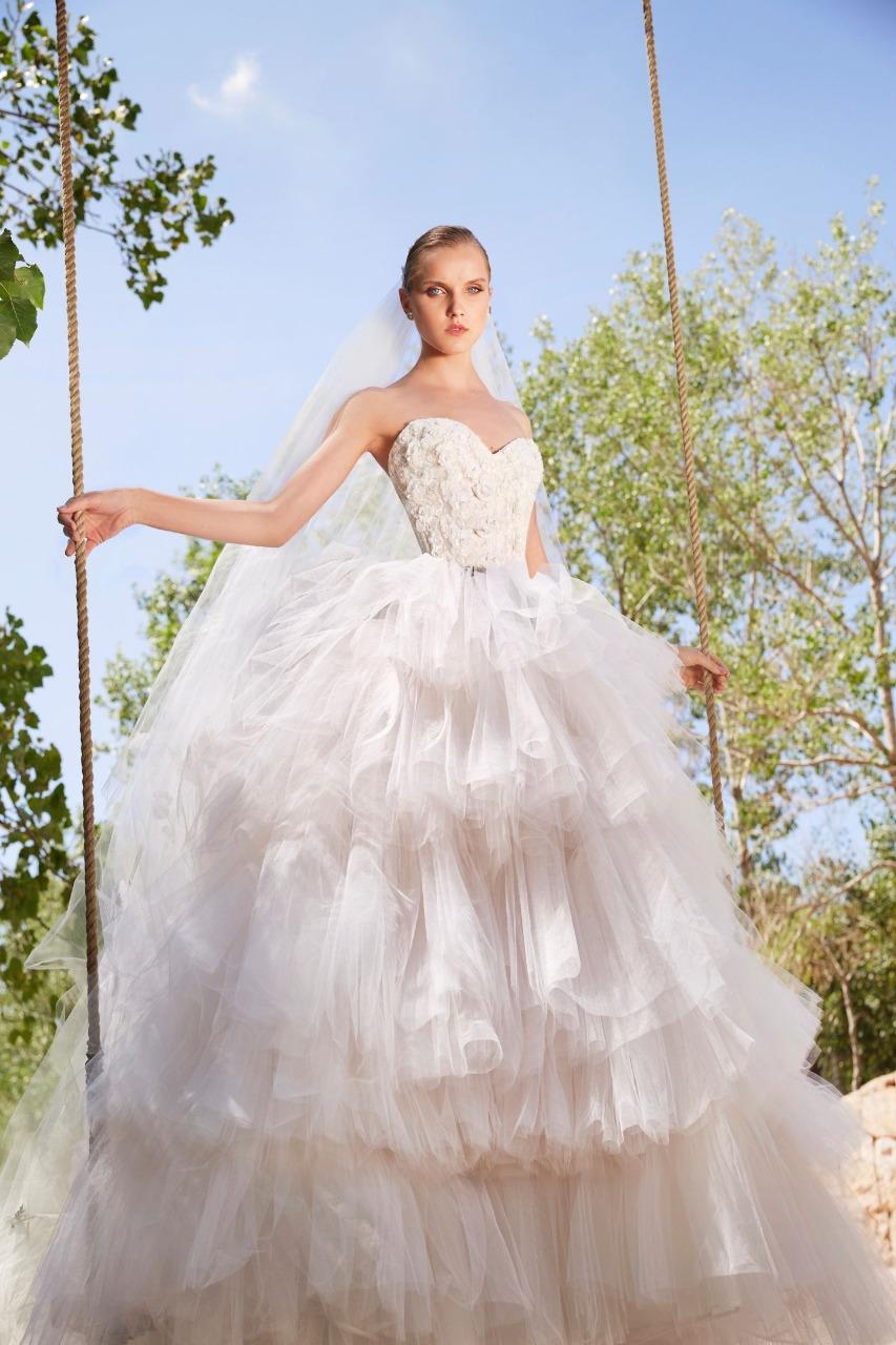 Elie Saab فستان زفاف تول من إيلي صعب