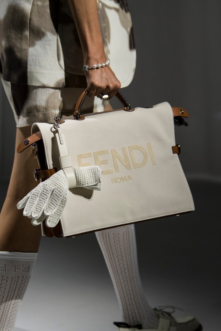 حقيبة يد من Fendi