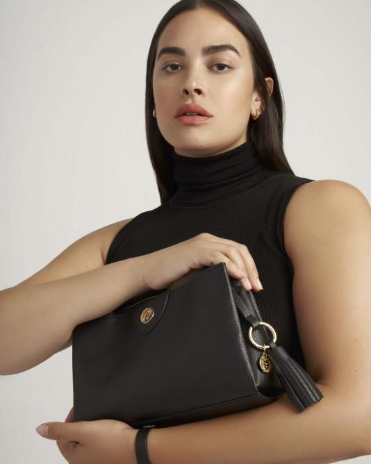 حقيبة كلاسيكية من آن كلاين Anne Klein