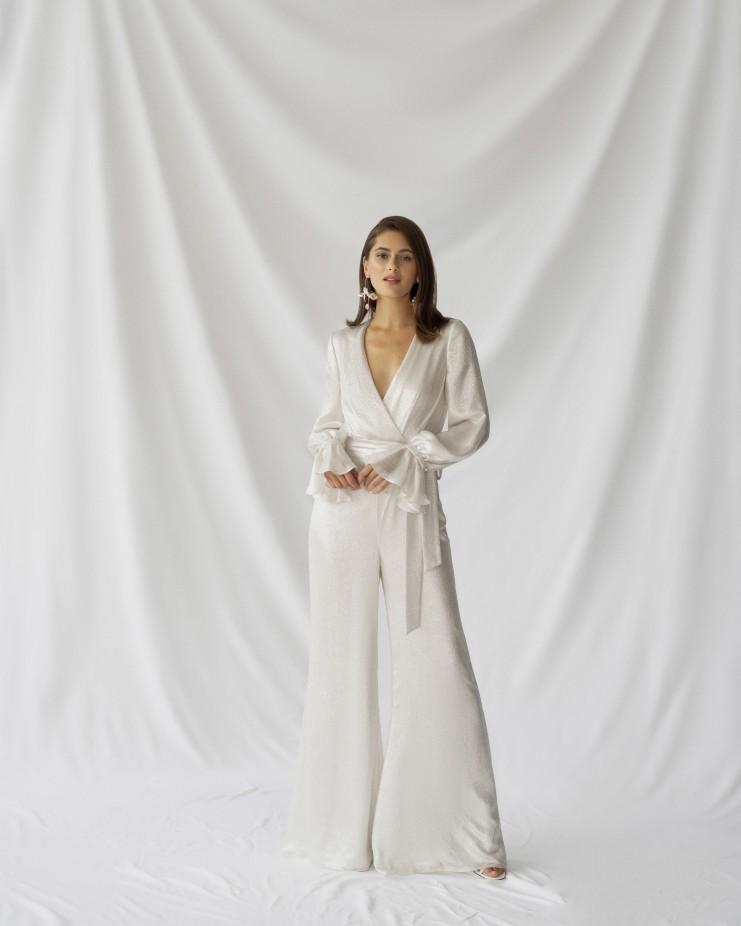 جمبسوت لعروس 2022 من Alexandra Grecco