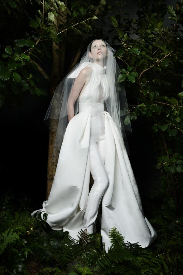 جمبسوت لعروس 2022 من نعيم خان Naeem Khan-صورة 4