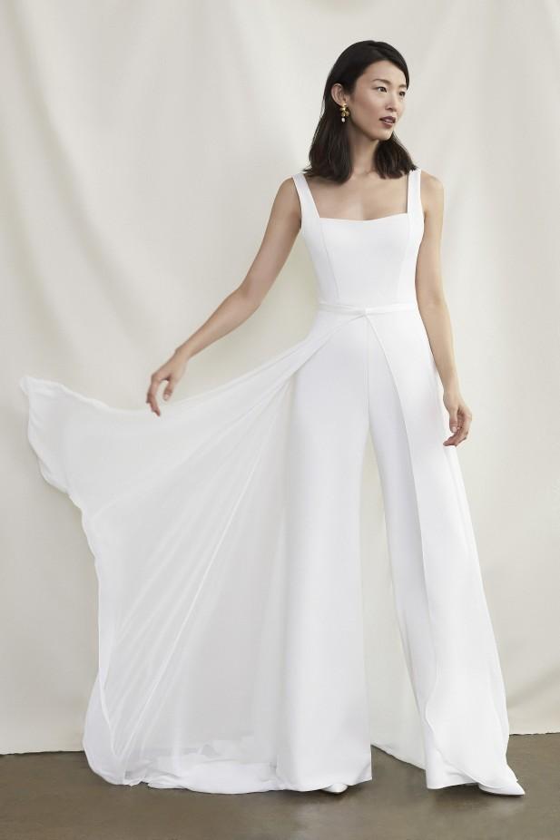 جمبسوت لعروس 2022 من Savannah Miller-صورة 1