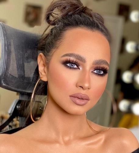 مكياج عيون عربي فخم - الصورة من صفحة خبيرة التجميل دعاء العميري  على إنستجرام