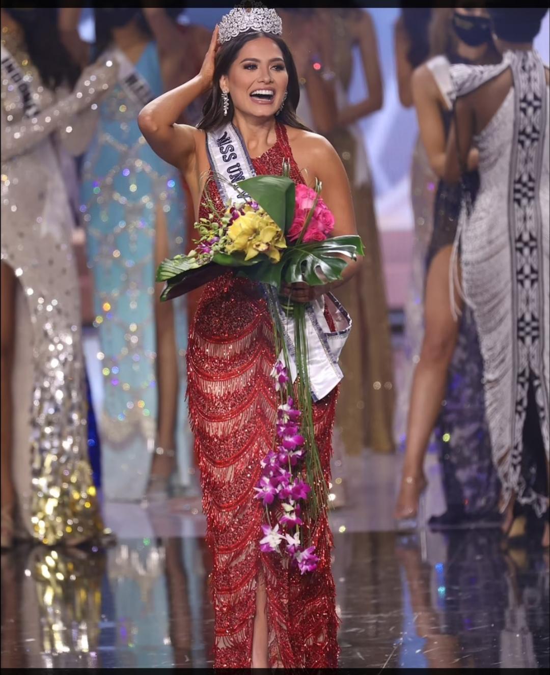 أندريا ميزا ملكة جمال الكون- الصورة من موقع ديلي ميل