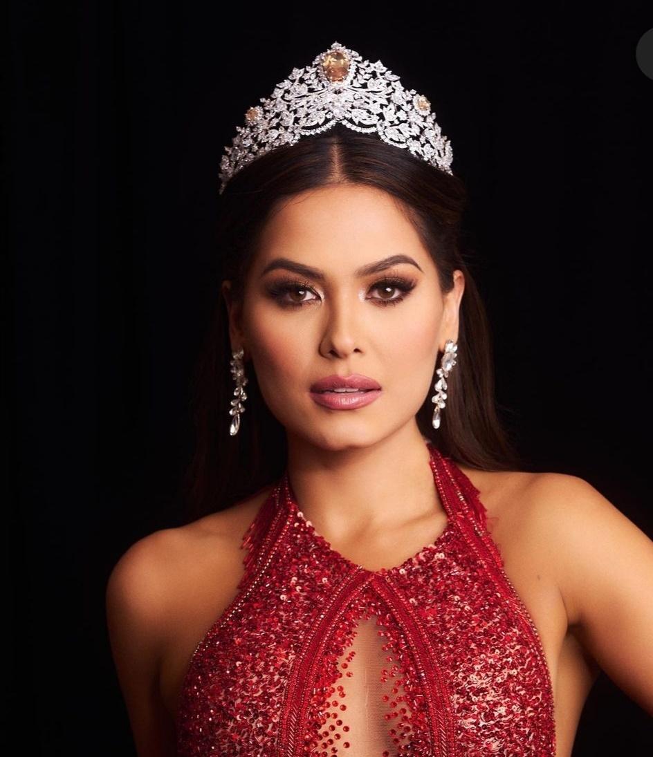 تتويج أندريا ميزا ملكة جمال الكون-الصورة من حساب Miss universe على إنستغرام