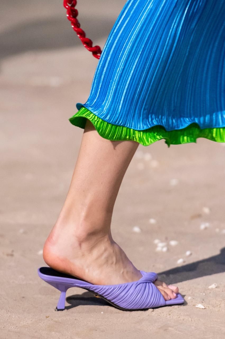 الحذاء من فيرساتشي Versace