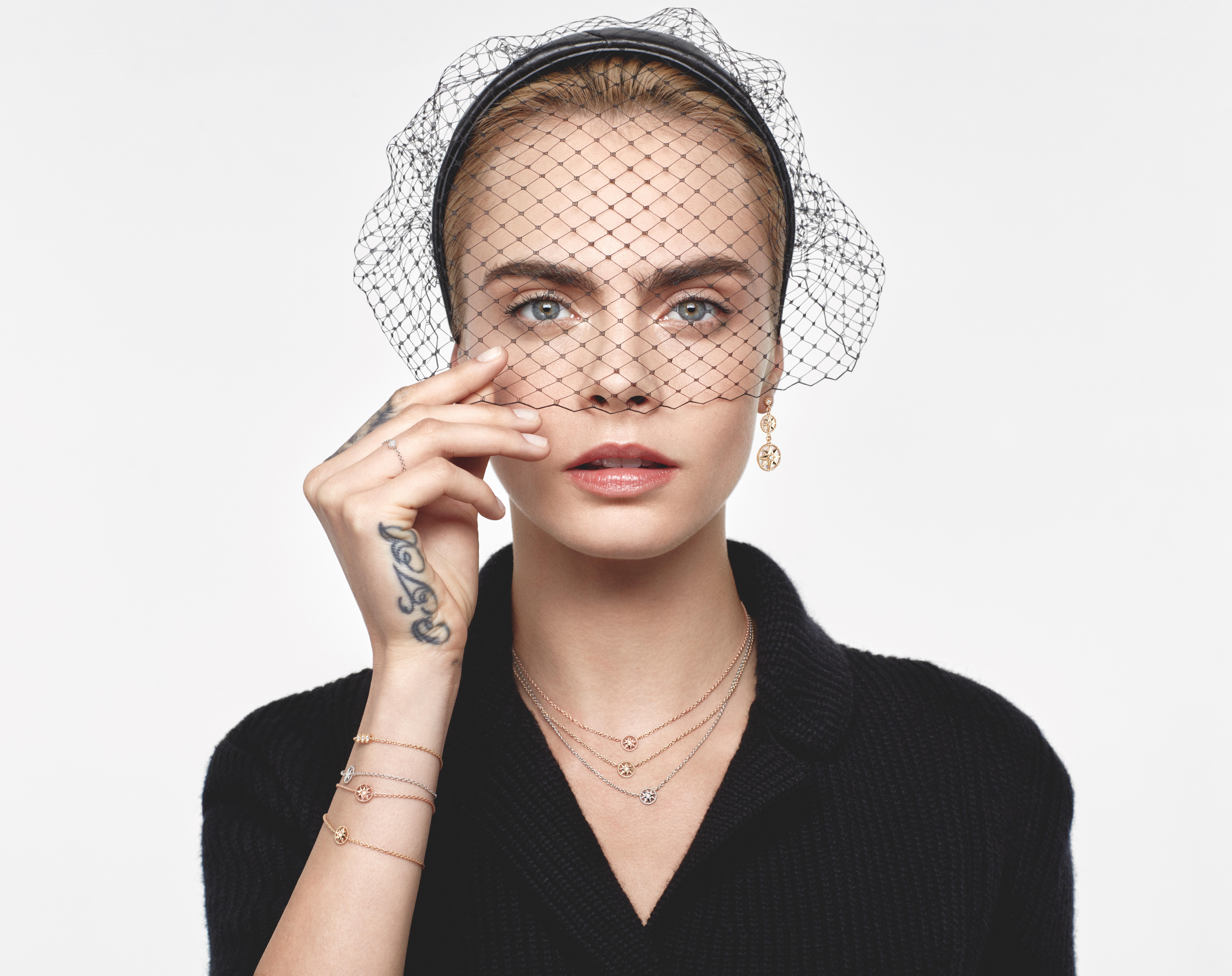 كارا ديليفين بمجوعة ديور Dior الجديدة
