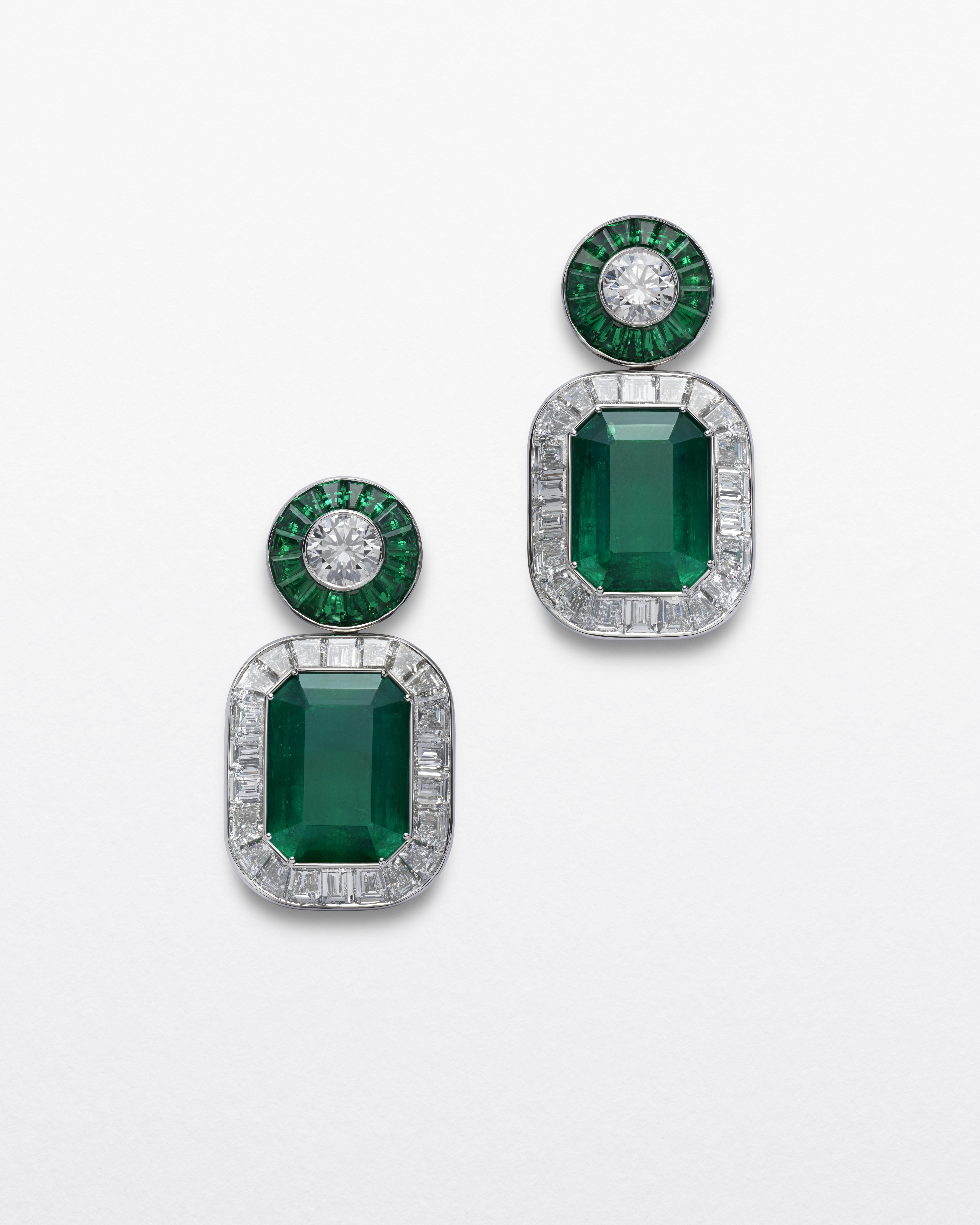 أقراط من الماس والزمرد من شوبارد Chopard