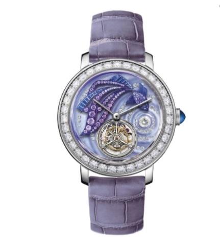 ساعة جلد مُرصَّعة بالياقوت الأزرق من بوشرون «Boucheron»