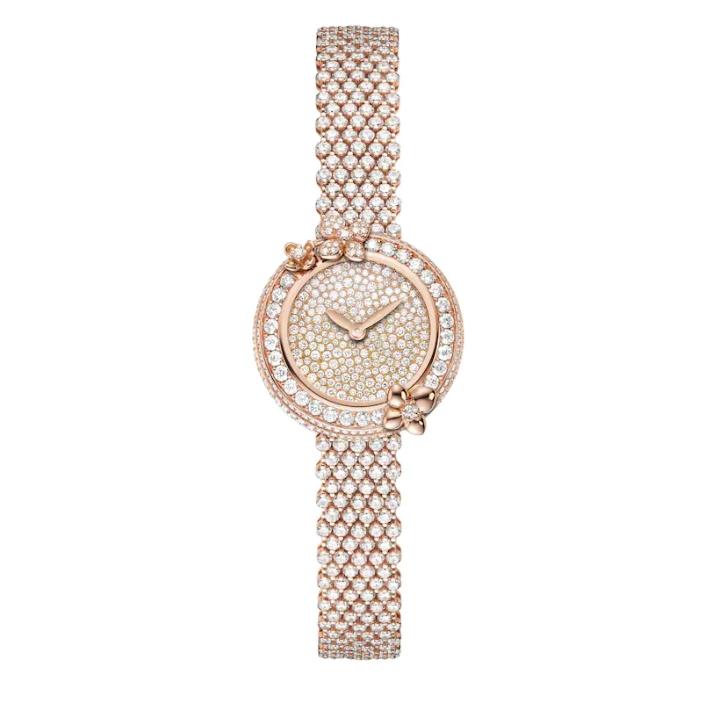 ساعة من الذهب الوردي مرصعة بالألماس من شوميه Chaumet