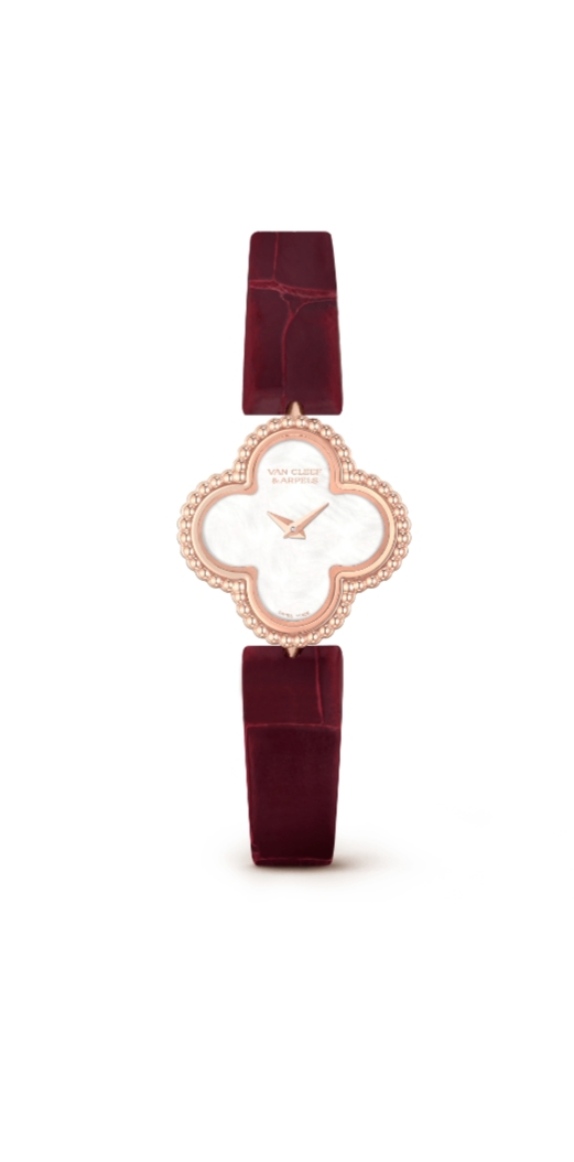 ساعة صغيرة من الجلد من فان كليف أند آربلز Van Cleef &Arpels