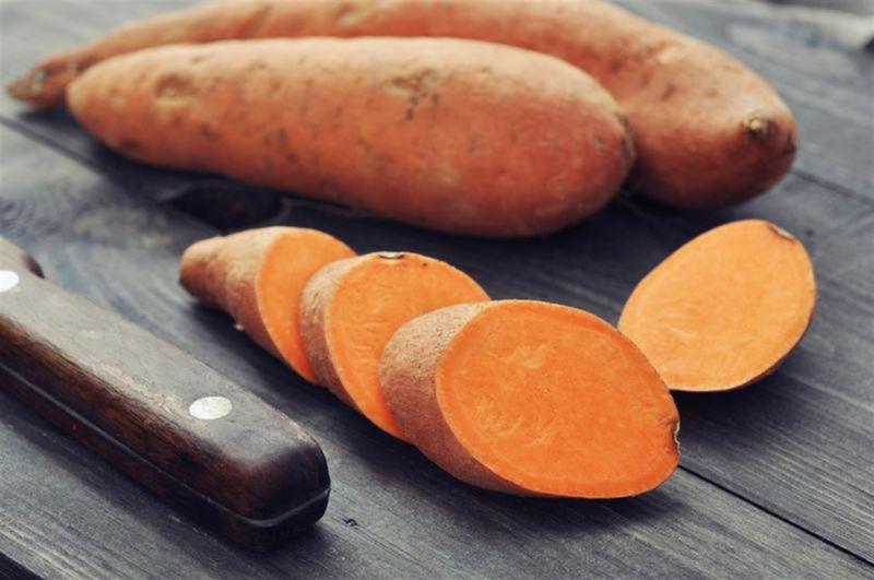 لصحة جلدك تناولي هذه الاطعمة