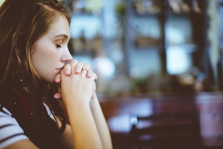 الاكتئاب أحد اسباب الشعور بالجوع في الليل