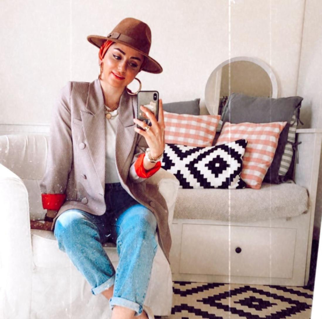 القبعات بتصميماتها من الأختين إسراء وغادة عثمان
