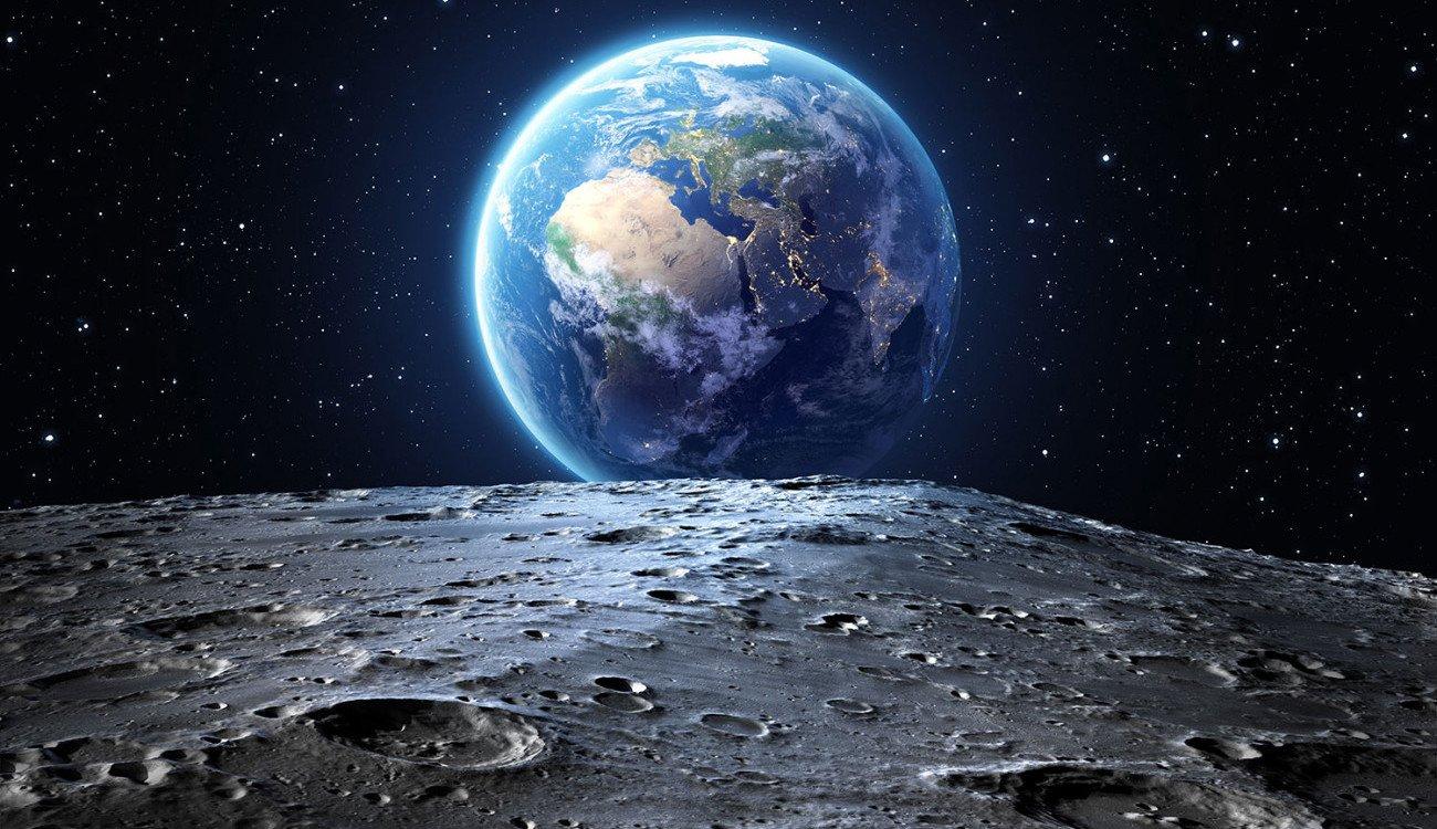 ما هي المدة التي ظل فيها القمر نشطاً بركانياً؟
