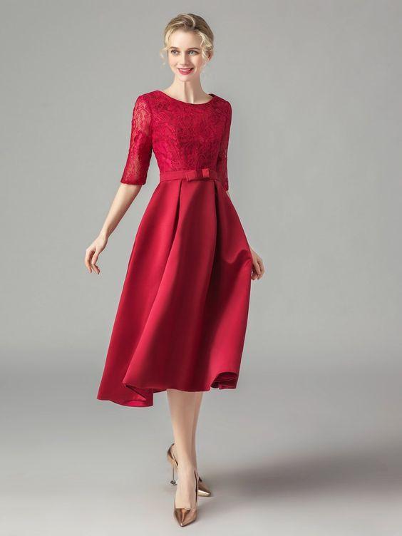 فستان خطوبة بأكمام قصيرة