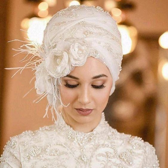 لفة حجاب من قطعتين مُطرزة الورود
