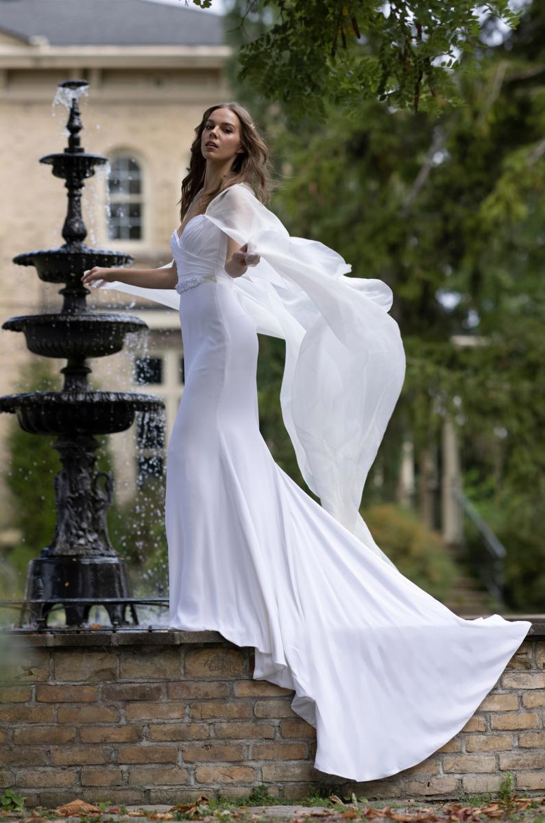 فستان زفاف رومونا كيفيزا Romona Keveza
