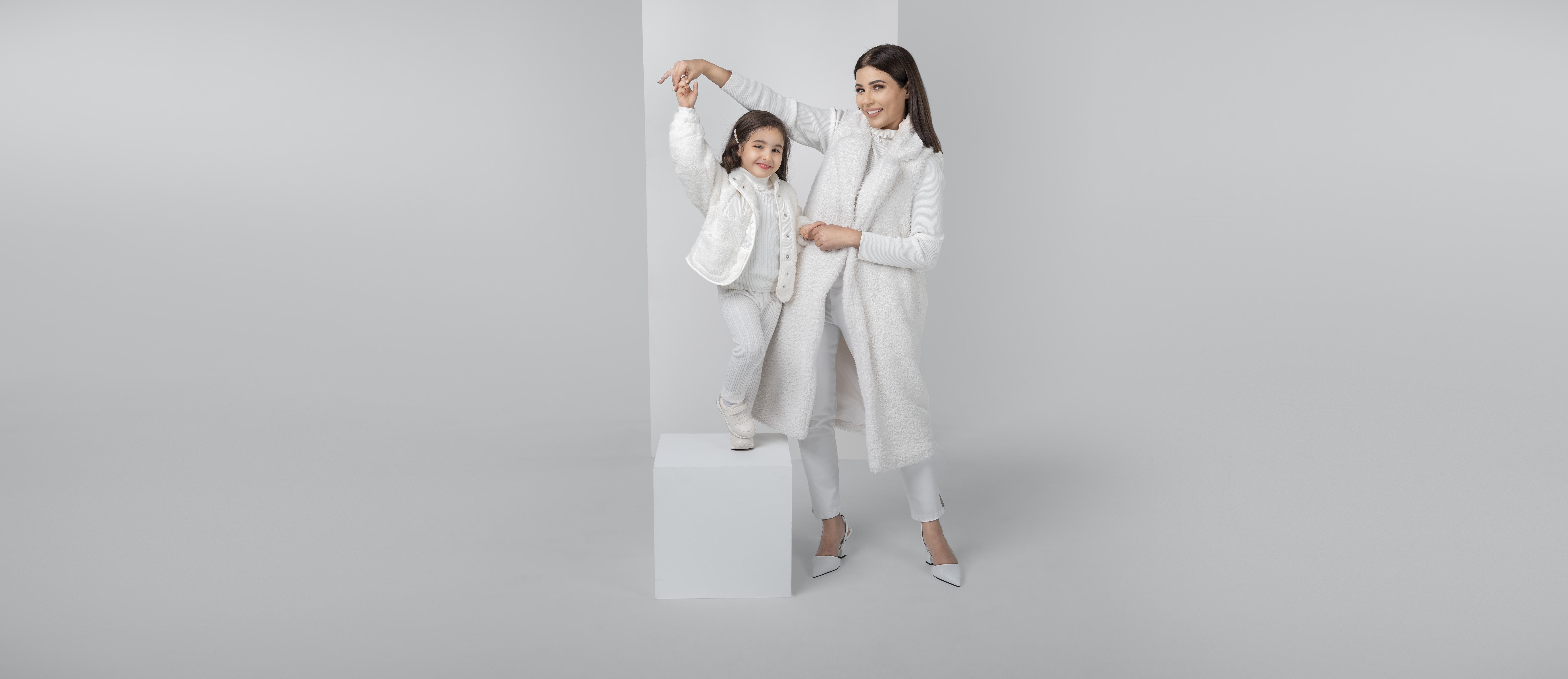 مهيرة عبدالعزيز وابنتها