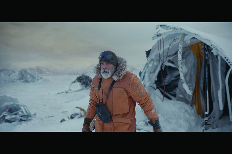 جورج كلوني بشخصية عالم في القطب الشمالي
