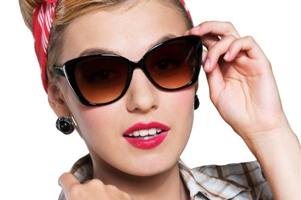نظارات عيون القطة تناسب الوجه المثلث