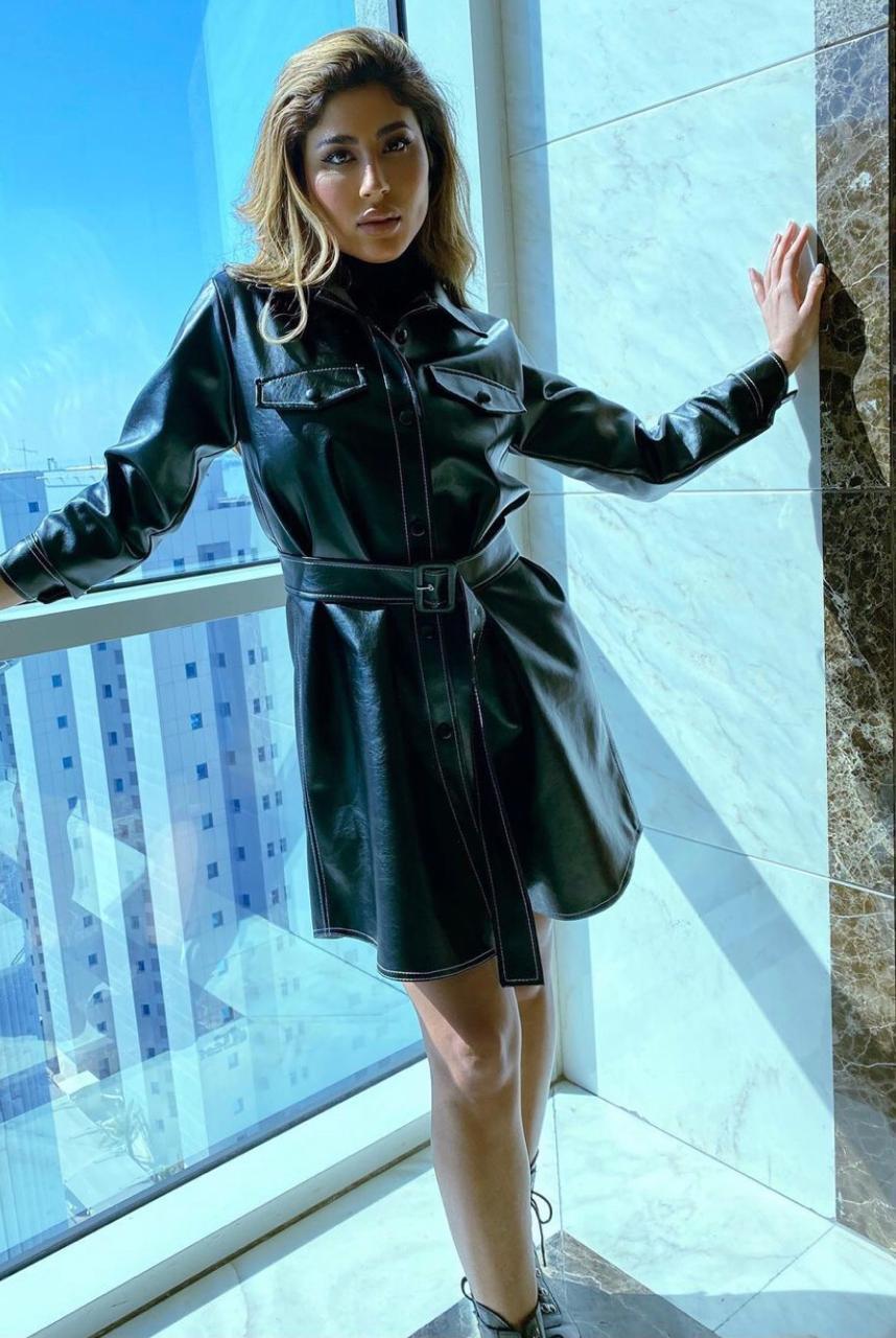 فستان جلدي من ليلى عبد الله