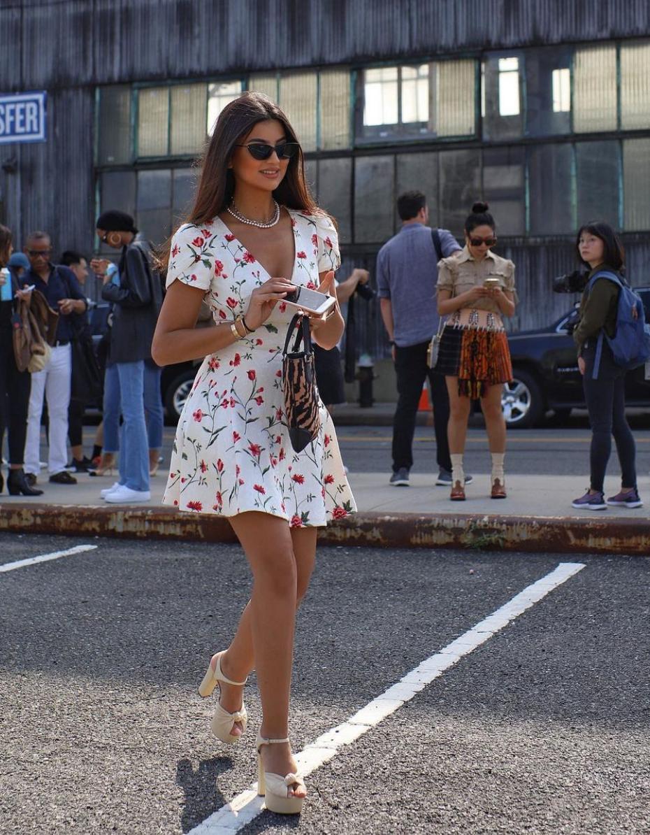 خيارات الفساتين المطبعة بأسلوب علا فرحات
