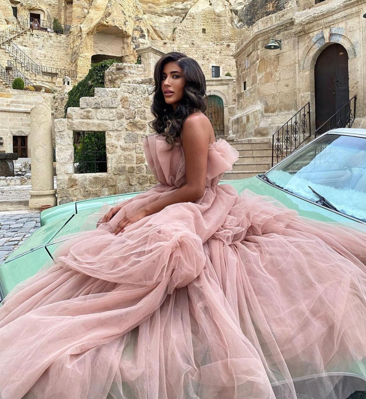 خيارات الفساتين المناسبة للمناسبات