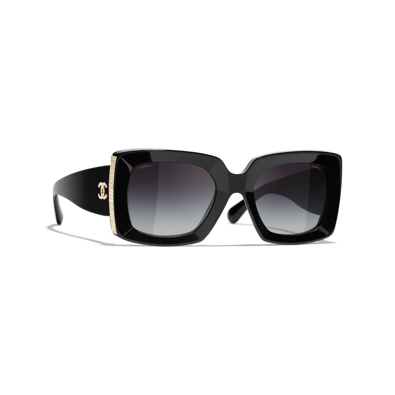 نظارة سوداء من شانيل