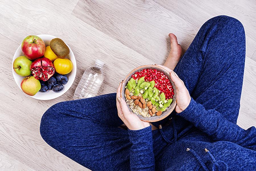 أهمية النظام الغذائي المتوازن بعد سن الأربعين