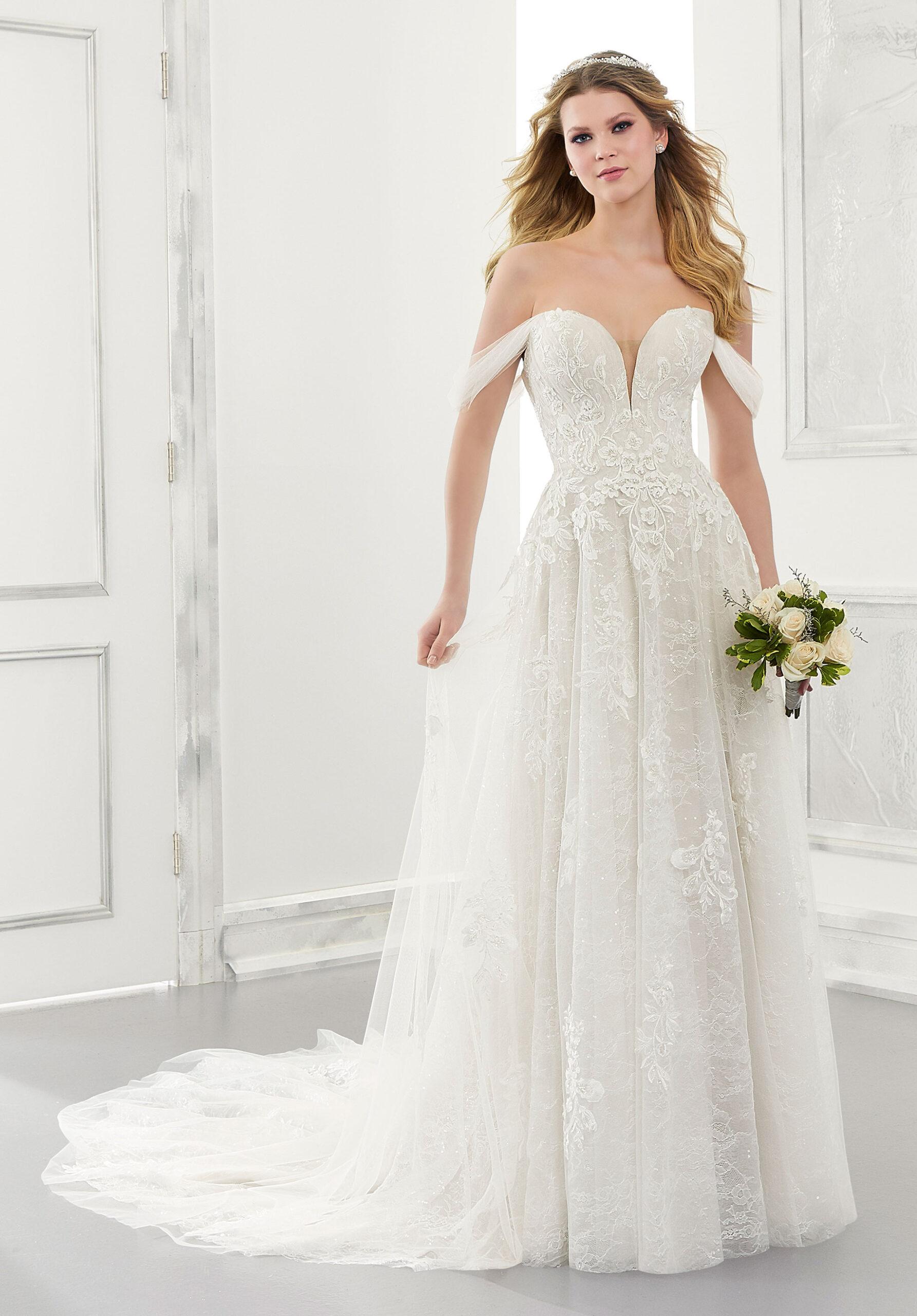 فستان زفاف لربيع 2021 منMorilee