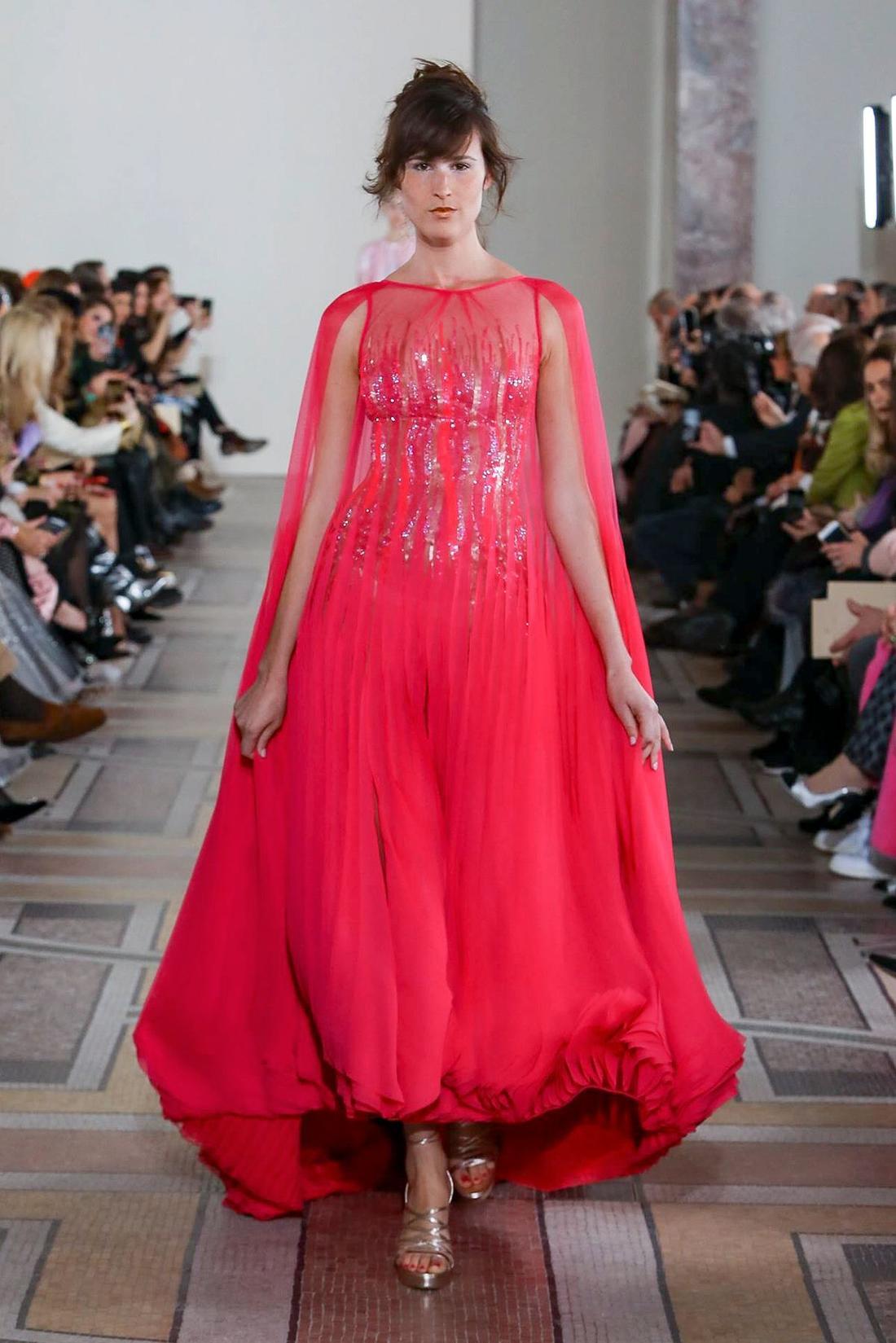 فستان من جورج شقرا Georges Chakra