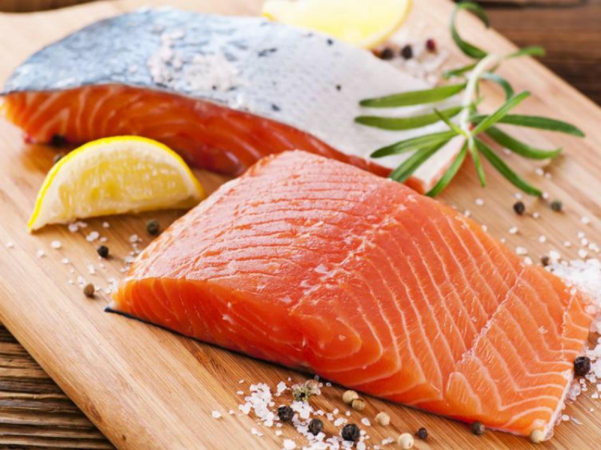 فوائد سمك السلمون لبشرتك
