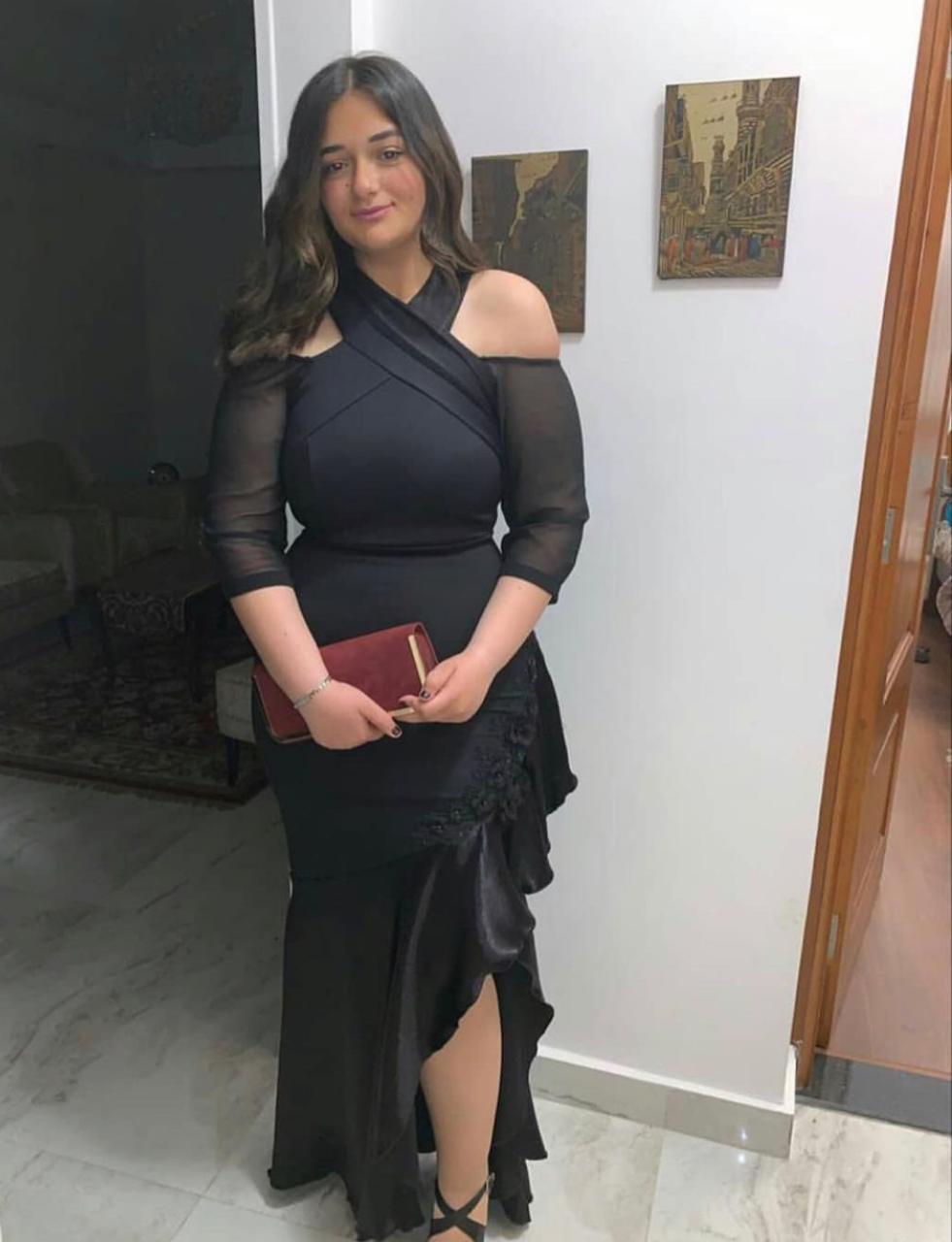 الفساتين السوداء من وحي ملك زاهر